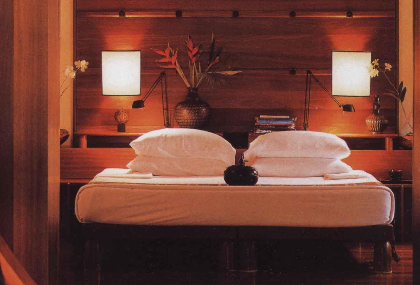 客房的设计主要体现一种温馨的气氛,从进门开始,地 东南亚风情